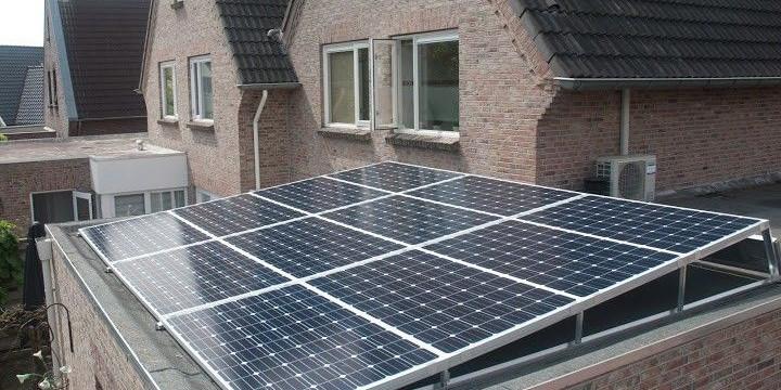 Zonnepanelen op het dak leggen kan ook in tijden van Corona!